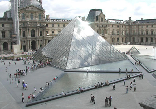موزه لوور در پاریس فرانسه
